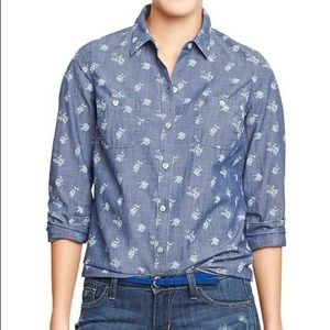 🎉5 for $25🎉 Old Navy Floral Chambray Top